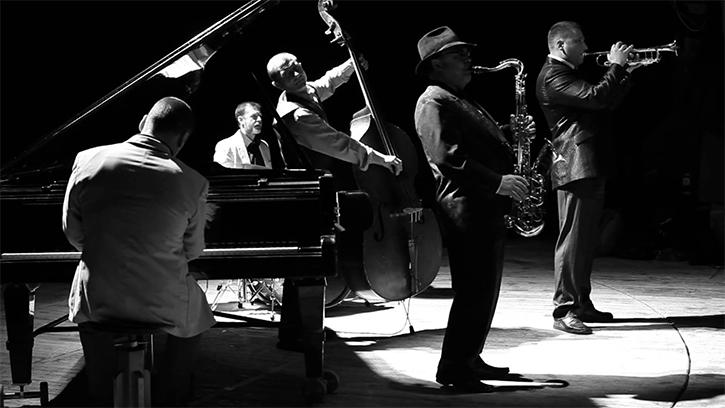 Sepak Terjang Christopher Janney di Dunia Musik Jazz