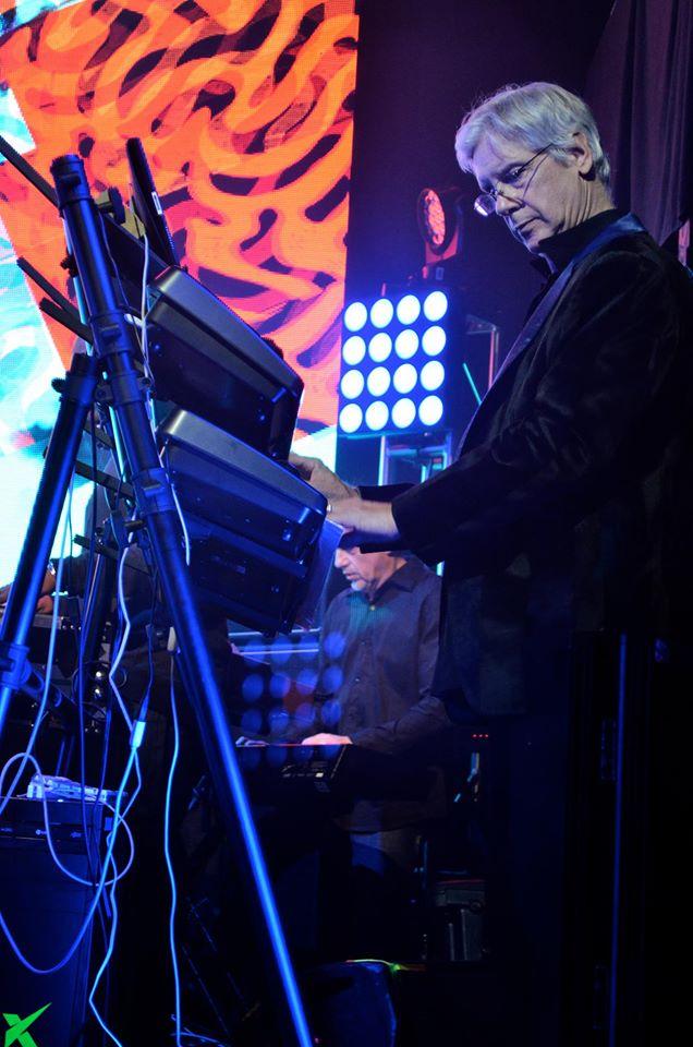 Christopher Janney sang Arsitek Sekaligus Musisi
